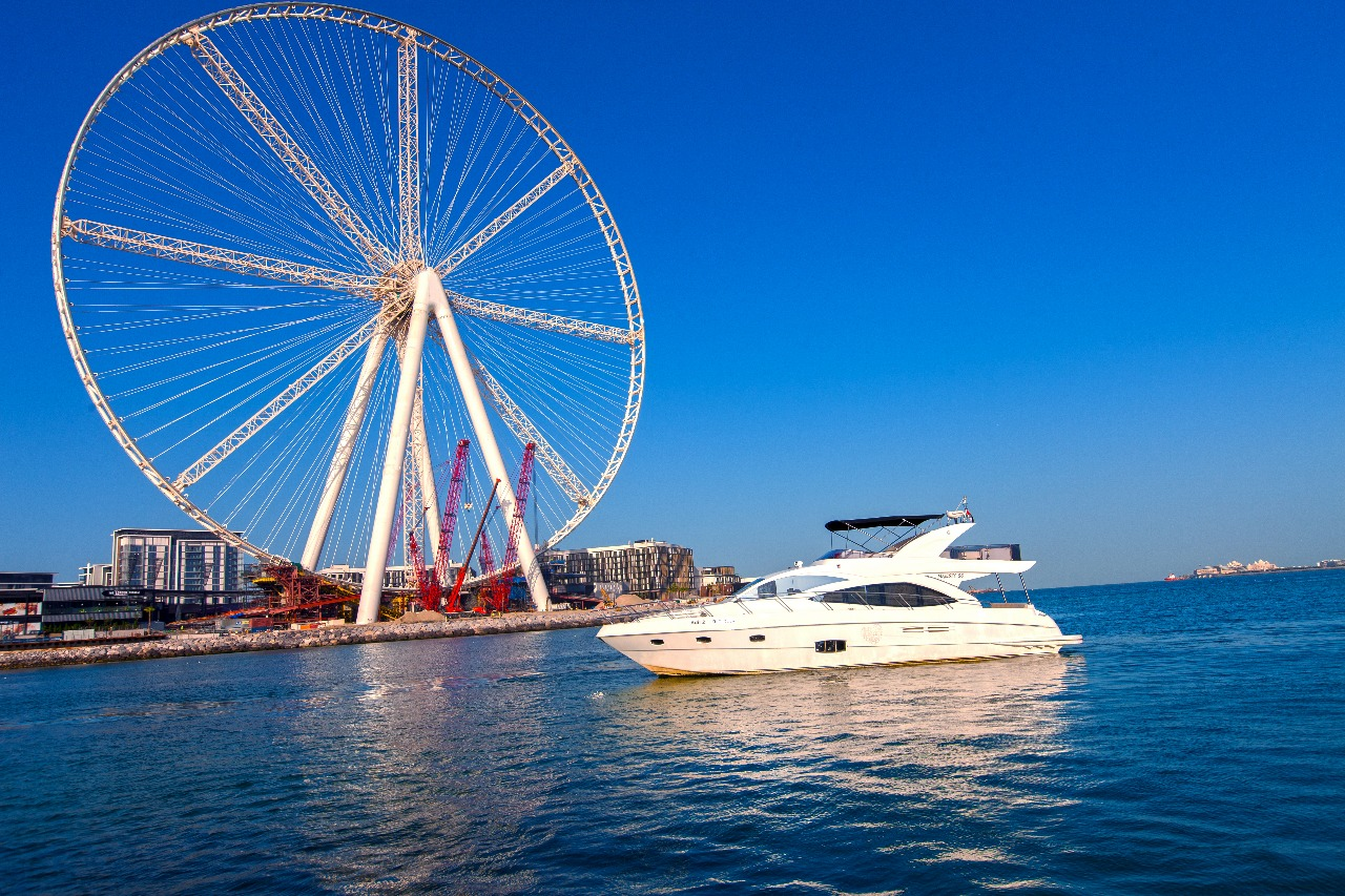 Why is a trip to Dubai incomplete without a luxurious yachting experience?
